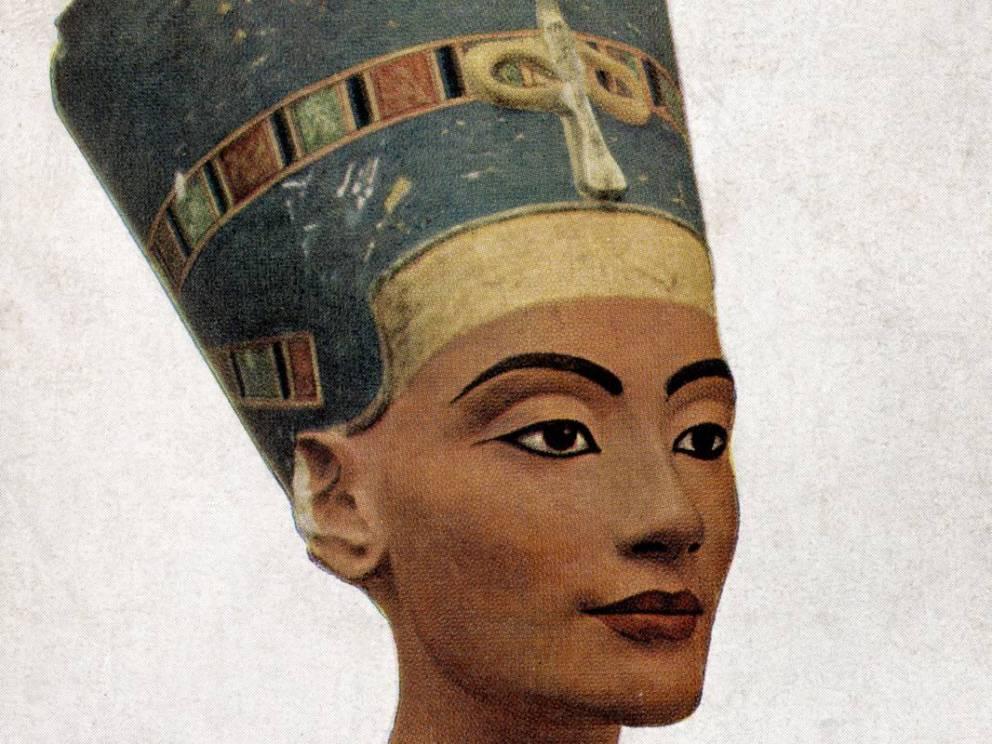 Nefertiti-Egypt-Women-History