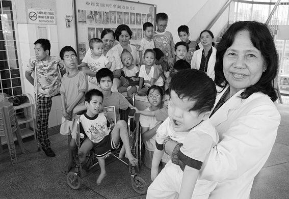 Vietnam-Agent-Orange-Dark-History-American-War-Tu-Du-Hospital